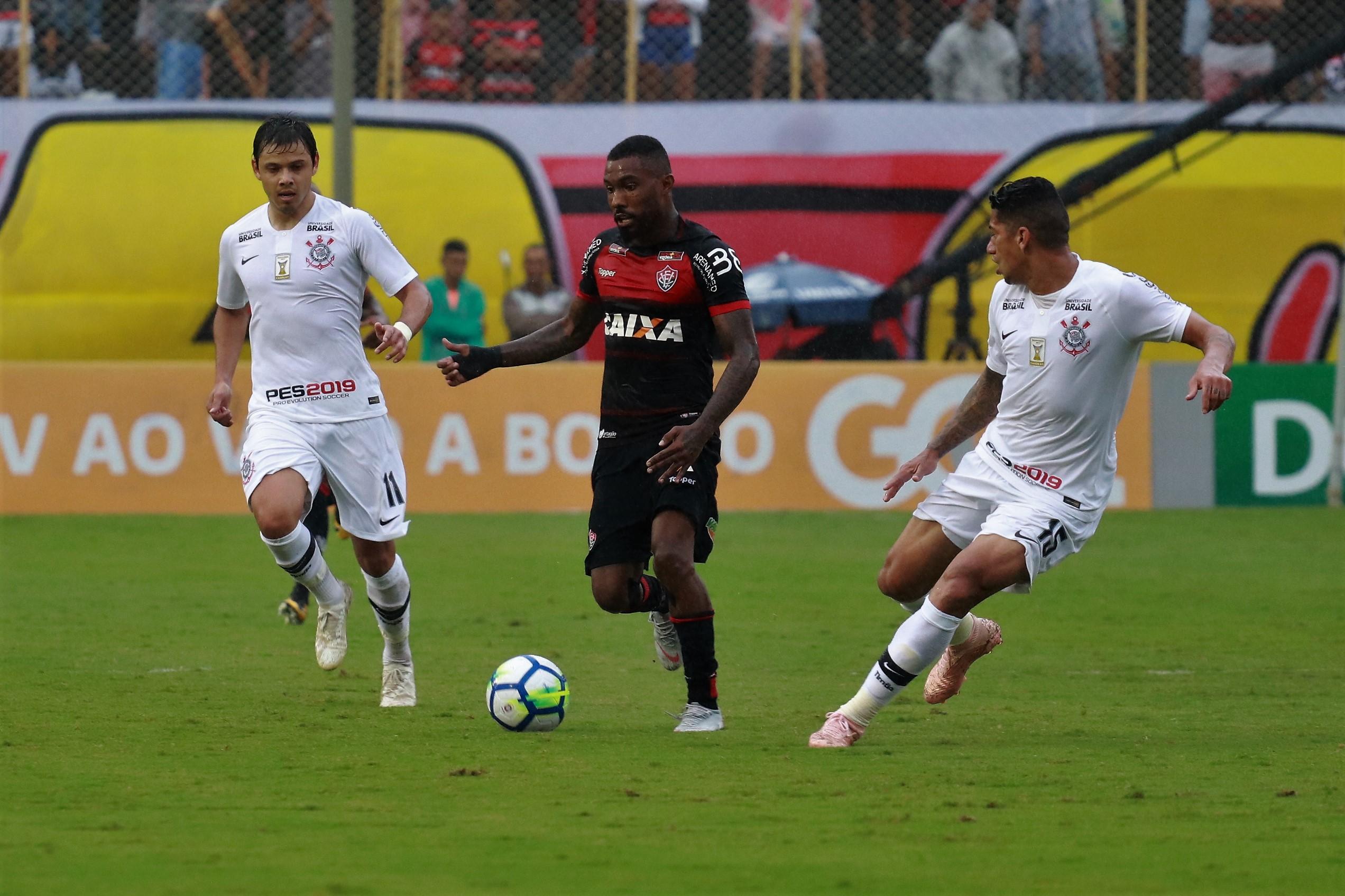 VEJA OS GOLS  Corinthians leva gol nos acréscimos e empata com o Vitória d1a06db24b8ca